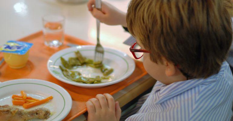 Familias desfavorecidas abandonan el comedor escolar en - Precio comedor escolar ...